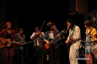 edward sharpe and magnetic zeros and mumford and sons (14 of 14)