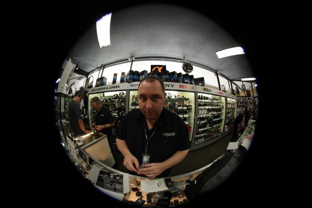 EF 8-15mm f/4L Fisheye USM Ultra-Wide Zoom - Precision Camera In-Store Test - Austin, Texas (2/2)