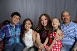 Mothers_Day_Family_Portrait_Day_at_Corpus_Christi_Museum_of_Science_and_History-14