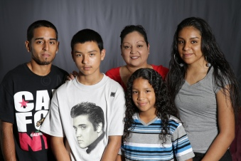 Mothers_Day_Family_Portrait_Day_at_Corpus_Christi_Museum_of_Science_and_History-47