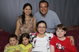 Mothers_Day_Family_Portrait_Day_at_Corpus_Christi_Museum_of_Science_and_History-69